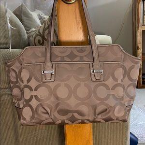 💕 Coach taupge large signature flint bag nwt 💕